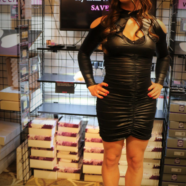 Diana Wearing SHORT DressTech Crossdressing Hip Pads at booth