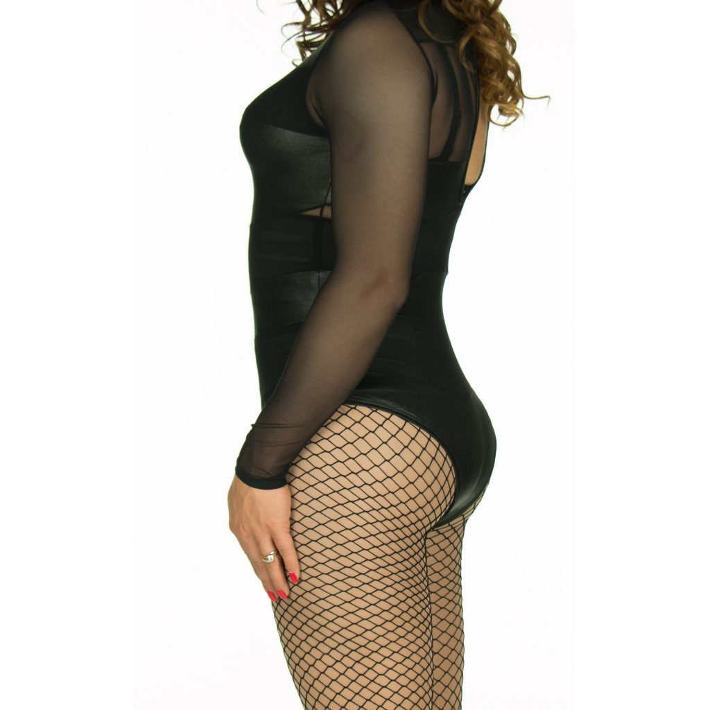 Foam hip pads side view fishnet