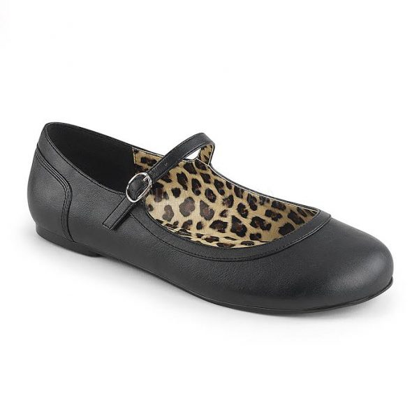 Maria crossdressing Mary Jane flat black